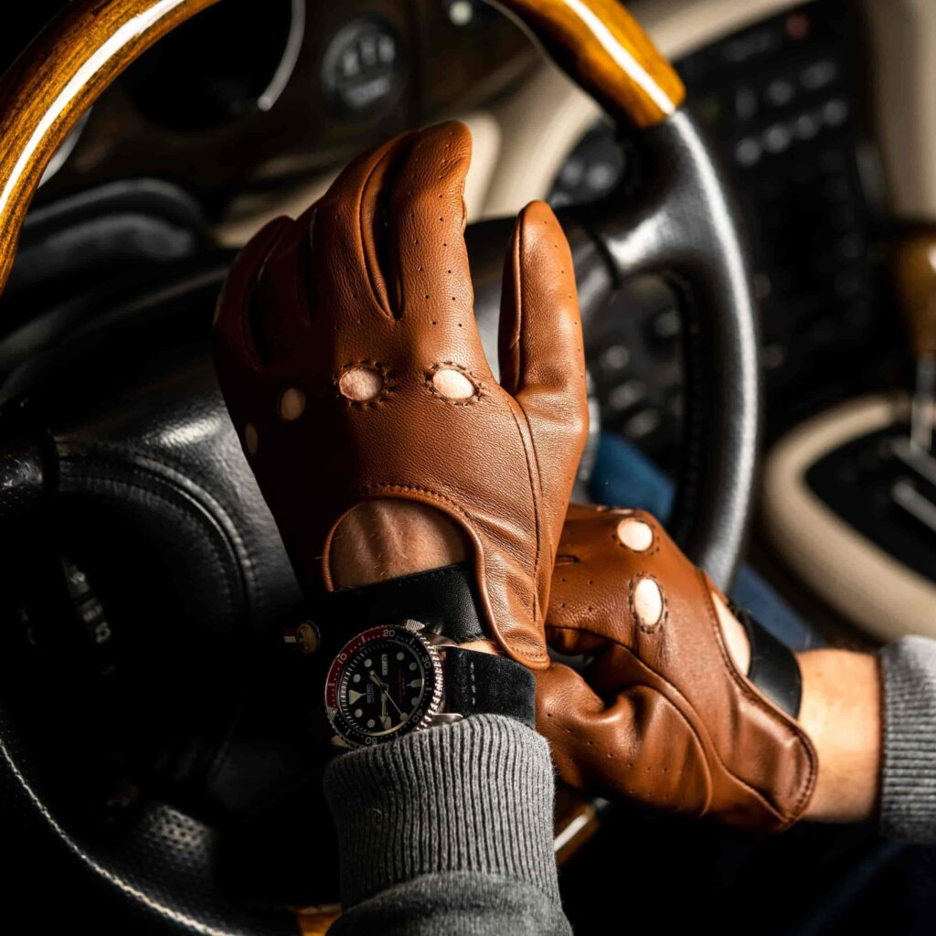 Luxury-Driving-gloves